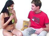 Fata draguta iubeste sperma