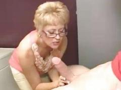 Milf Starts Touching Young..