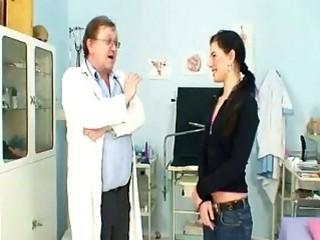 Офигенный осмотр у гинеколога с ласками