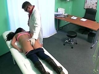 Совратил привлекательную девку в больнице
