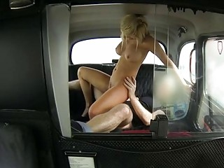 gorgeous blonde sienna gets a quick fuck