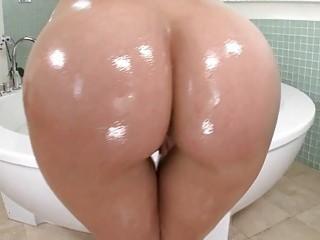 huge booty blonde pornstar anikka albrite pussy ri