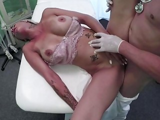 gorgeous  blonde chick gets vitamin dick