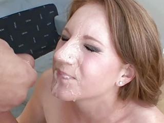 Farrah Rae gets her hot..