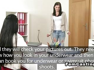 Девушка порно режиссер проводит кастинг