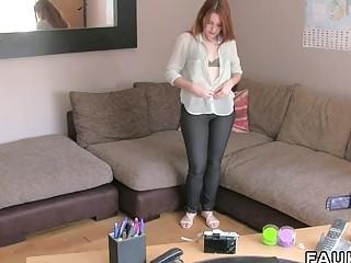 Рыженькая студентка впервые на порно видео кастинге