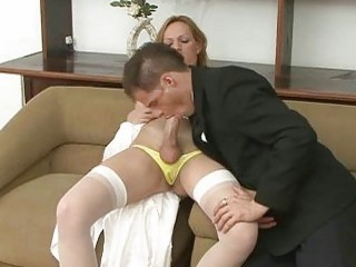 Fiery tranny bride gets blowjob from her hubby