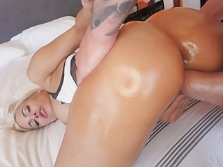 Big ass Luna Star twat licked and banged