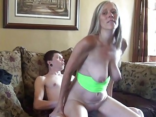 Amateur Mature Woman And Young Boy Fucking Hard And Fast