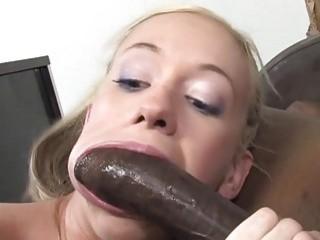 Salope Anale Kaylee Hilton Aime Le Sexe Interracial