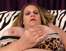 Fat Honey Winter Wolf Diddles Herself then sucks cock and Fucks | Porn-Update.com