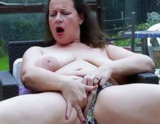 EuropeMaturE curvy Milf is Playing with tits | Porn-Update.com