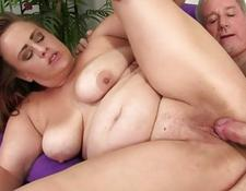 Chubby Babe Randi Paige Takes a Fat cock in Her Mouth and cunt | Porn-Update.com