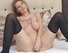 Lovely Blonde slut Fiddles Her kitty | Porn-Update.com