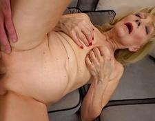 AgedLovE Grandma Seduced and have sexual intercourse Hardcore | Porn-Update.com