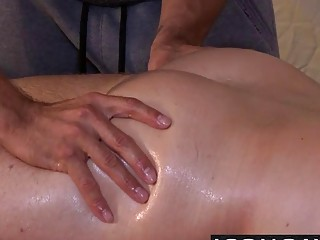 muzhchina-sebe-massazhiruet-anus-video-zhenoy-razvrat