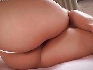 Bikini cosplayer getting vagina rubbed by masseur | Porn-Update.com
