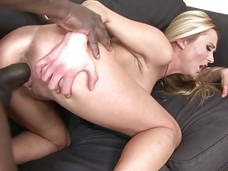 Hot Girl Trying for Interracial Porn Has great Sex